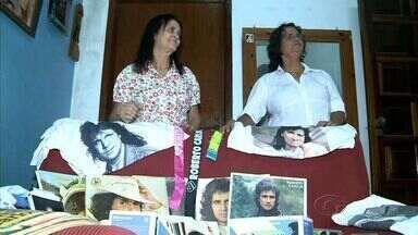 Fãs alagoanos contam histórias de amor pelo 'rei' Roberto Carlos - Admiração incondicional a um ídolo enche de emoção a história de quatro mulheres que não esquecem as letras românticas do cantor.