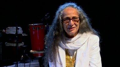 Maria Bethânia sobre o palco: 'É a minha casa' - A cantora precisa se concentrar antes de uma apresentação