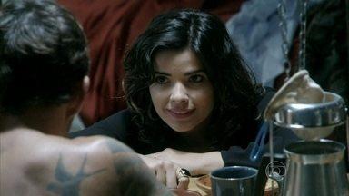 Aline explica parte de seu plano para Ninho - Ela chama Ninho para participar do plano
