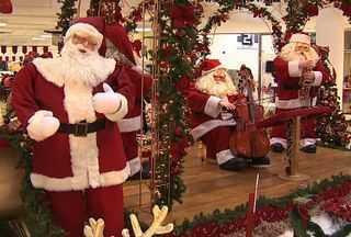 Decoração natalina toma conta das lojas no comércio sergipano e estimula as compras - Decoração natalina toma conta das lojas no comércio sergipano e estimula as compras