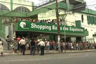 Beneficiários do Bolsa Família lotam Núcleo de Atendimento Jurídico - Eles foram fazer o recadastramento do benefício.