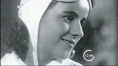 Veja a história da aviadora Joaninha, de Taubaté, SP - No aniversário de Taubaté (SP), conheça a história da aviadora Joaninha, que deu nome a um guaraná. Ela passou parte da vida na cidade