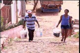 Moradores do município do Crato sofrem com a irregularidade do abastecimento d'água - Moradores do Bairro Sossego reclamam da frequente falta d'água.