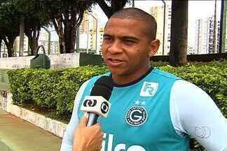 Walter admite secar a Ponte Preta na Sul-Americana - Atacante do Goiás torce para que time de Campinas perca título para que o quarto colocado da Série A se classifique para a Libertadores.