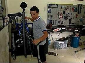 Ciclista de Uberaba corre, pedala e rema em competição na Amazônia - Mineiro Guilherme Saad encara Kirimbawa, com 50 km de corrida, 100 km de mountain bike e outros 50 km de canoagem. Disputa é no próximo sábado