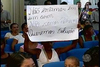 Moradores da invasão Vila Eulália realizaram protesto durante sessão da câmara - Os manifestantes cobraram atenção do poder público para 100 famílias que tem moradias improvisadas.