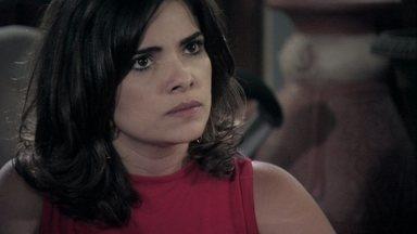 Aline manipula César e o convence a ficar - A vilã confronta Paloma e Lutero