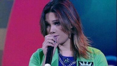 Bruna Borges leva clima de romance para o Cante Outra Vez - A morena cantou 'Luz Dos Olhos', sucesso na voz de Nando Reis