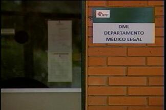 Falta de investimentos revela precariedade de serviços públicos - Departamento Médico Legal, em Passo Fundo, RS, não tem câmara fria há quase um ano.