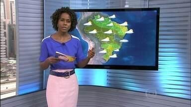 Veja a previsão do tempo para esta sexta-feira (13) em todo o Brasil - Pode chover o esperado para uma semana no norte do Espírito Santo e no centro-leste de Minas Gerais. Também chove bastante em alguns pontos do Mato Grosso, Goiás, Tocantins, Piauí e Bahia.