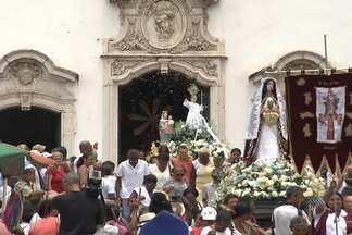 Procissão é realizada no bairro do Lobato para homenagear Santa Luzia - Dia da santa protetora dos olhos é comemorado nesta sexta-feira (13).