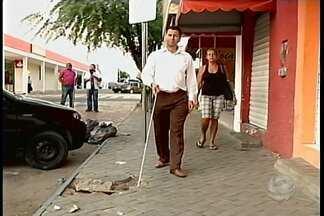 Dia do deficiente visual - Ainda fala estrutura para pessoas com deficiência visual