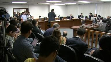 Atlético-PR e Vasco são punidos pelo STJD pela briga em Joinville - Em vez de 20 partidas sem o mando de campo, Atlético-PR perdeu 12. O Vasco, oito. Os advogados de defesa entrarão com recurso.