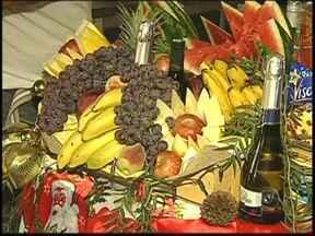 Produtos da ceia de Natal estão mais caros neste ano no noroeste paulista - Muita gente deve lotar os supermercados em busca dos produtos para a ceia de Natal. Mas manter a tradição da mesa farta vai custar um pouco mais caro.