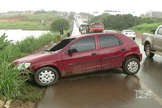 Dois acidentes foram registrados na BR-222, no perímetro urbano de Açailândia - Dois acidentes foram registrados na BR-222, no perímetro urbano de Açailândia. Duas pessoas ficaram feridas.