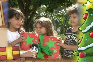 Moradores de Salvador e interior dizem para quem mandariam um presente de Natal - Confira mais uma edição do quadro 'Meu Presente de Natal'.