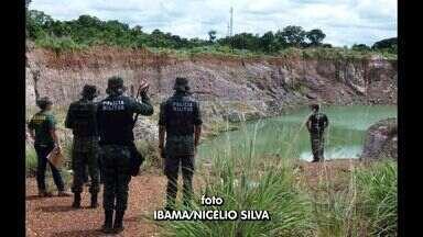 Garimpos clandestinos foram flagrados por fiscais do Ibama - Garimpos clandestinos foram flagrados e fechados na região do pantanal por fiscais do Ibama.