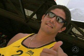 Paraibano Álvaro Filho ganha premiação como revelação do vôlei mundial - Jogador foi escolhido também como o que mais evoluiu em 2013.