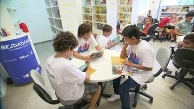 UPP Social traz novas perspectivas nas comunidades - Há cinco anos, foi instalada a primeira Unidade de Polícia Pacificadora, no morro Dona Marta em Botafogo. O projeto enfrenta muitos desafios e tem planos para melhorar a vida dos moradores destas comunidades.