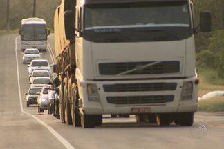 Mais de 200 acidentes foram registrados nas estradas baianas desde a última sexta - Como resultado, 30 pessoas morreram e 177 ficaram feridas.
