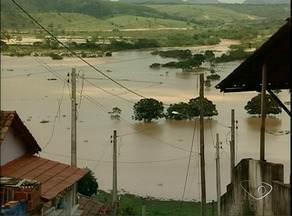 Moradores e produtores rurais sofrem com estragos da chuva em Nova Venécia, ES - O comércio e os agricultores ainda fazem balanço do prejuízo.