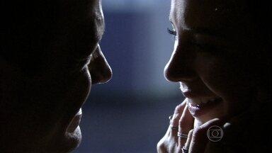Bruno e Paloma fazem as pazes - O casal descobre as mentiras de Aline e se reconcilia. Paloma diz que Paulinha vai ficar feliz quando souber que os pais estão juntos novamente