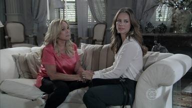 Paloma e Pilar conversam sobre Félix - A médica fala para a mãe que ainda está muito magoada com o irmão