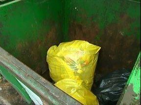 Empresas têm que mandar o lixo para o aterro por conta própria em Paranavaí. No Paraná TV. - E tem muito mais notícias pra você. Operação verão da polícia ambiental já prendeu 17 pessoas.