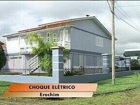 Mulher morre vítima de descarga elétrica em Erechim, RS - Ela estava cortando a grama quando recebeu um choque elétrico.