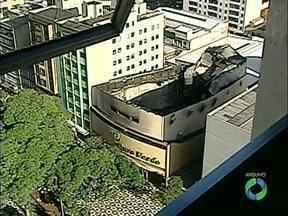 Assinado contrato para reconstrução do Teatro Ouro Verde - O prédio, patrimônio cultural de Londrina, foi destruído num incêndio em fevereiro de 2012.