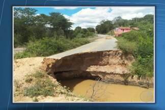 Cratera na BA-131 na região de Jacobina completa um ano neste domingo - O Departamento de Infraestrutura de Transportes da Bahia informou que uma licitação já foi feita para a construção de um pontilhão no local.