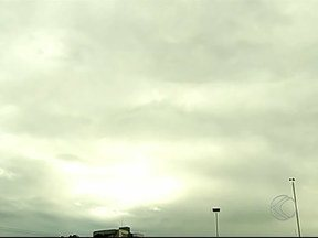 Volume de chuva esperado para o mês de janeiro está baixo em Uberlândia - Mesmo com a chuva desta quinta-feira (16), a média esperada não foi atingida. Desde 2002 não chovia tão pouco no começo do ano.