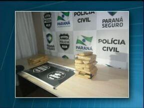 Adolescentes são apreendidos por tráfico de drogas em ônibus que ia para Curitiba - Eles transportavam quase 15 quilos de maconha.