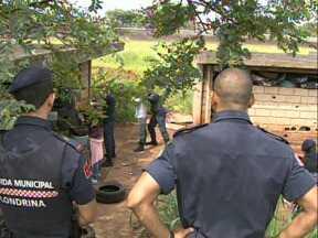Guardas municipais de Londrina passam por treinamento de abordagem de suspeitos - Eles são recém formados e ainda aprendem com exercícios práticos, para não errar na hora de enfrentar situações de risco na rotina da cidade.