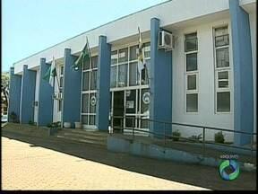 Tribunal de Contas pede devolução de dinheiro pago a mais aos vereadores de Apucarana - Dois ex-vereadores de 2012, que presidiram a Câmara, foram considerados culpados pelas irregularidades.