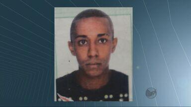 Rapaz é preso com 697 pinos de cocaína em Rio Claro, afirma PM - Rapaz é preso com 697 pinos de cocaína em Rio Claro, afirma PM.