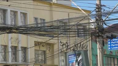 Prefeitura garante que agora vai multar empresas com cabos irregulares - Prazo já foi adiado diversas vezes