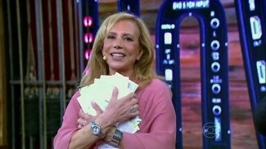 Arlete Salles recebe cartas de amigos famosos no Vídeo Show - Ao relembrar personagem Carmosina, de Tieta, atriz adivinha quem enviou as correspondências