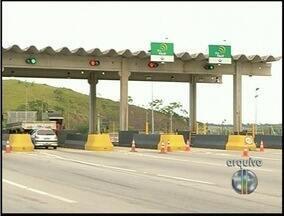 Justiça mantém suspensão da cobrança de pedágio na BR-101 em Campos, RJ - Segundo a Justiça, o serviço prestado pela empresa responsável pela rodovia é considerado precário.