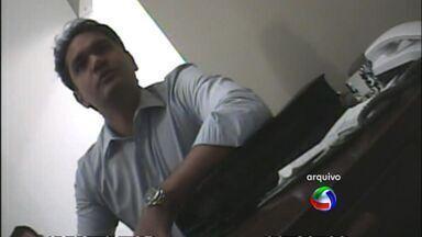 Comissão de Ética da Câmara apura denúncias contra vereador de Cuiabá - A Comissão de Ética da Câmara de Vereadores de Cuiabá começou a apurar denúncias contra o vereador João Emanuel. Ele renunciou ao cargo de presidente do legislativo no ano passado por suspeitas de irregularidades na gestão.