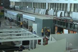 Infraero diz que obras no aeroporto de Salvador comtinuam - Por causa de atrasos, Secretaria da Aviação Civil determinou a suspensão das obras.