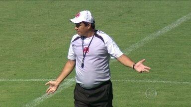 Vasco enfrenta o Macaé fora de casa no Campeonato Carioca - Adilson Batista assumiu o desafio de comandar o time no mesmo campo em 2013.