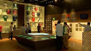 Conheça as novidades do Museu do Futebol do Mineirão - Pegadas de Pelé voltam a ser exibidas no estádio, que ganha cinco novos espaços para visitação