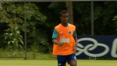 Técnico Marcelo Oliveira pode contar com um garoto veterano no Cruzeiro - Meia Élber, de 21 anos, se destaca nos treinamentos e, ainda, com golaço em jogo-treino durante a pré-temporada