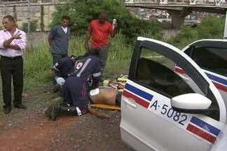 Taxista passa mal e precisa ser reanimado por equipe do Samu - Profissional passou mal na região da BR-324, entrada de Salvador.