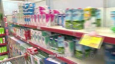 Consumidores de Juiz de Fora seguem atentos à variação do preço do leite - Após passar 2013 em alta, preço do produto sinaliza queda para este ano.