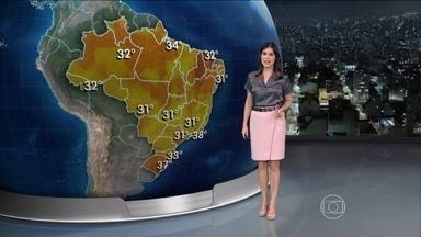 Quinta-feira (23) continua quente em todo o Brasil - No fim de semana, o tempo deve mudar em quatro capitais. Em Porto Alegre, vai chover muito e a temperatura despenca para 23°C no domingo.
