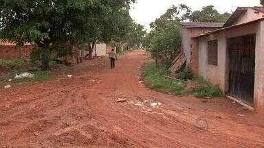 Critérios sobre destinação do IPTU gera polêmica em Cuiabá - Os critérios de aplicação dos recursos do IPTU em asfaltamento dos bairros de Cuiabá estão provocando polêmica entre a população.