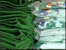 Lojas e fábricas de uniformes escolares se preparam para alta nas vendas dos produtos - Preço dos uniformes variam de R$ 14 a R$ 25.