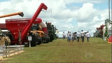 Mais de 15 mil produtores devem visitar a ShowTec de Maracaju - Produtores rurais devem passar pela ShowTec de Maracaju. Cerca de 130 empresas vão apresentar, durante os três dias de evento, novidades em tecnologia rural.
